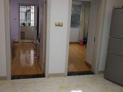 云盘二村2楼75平方2室1厅全新精装修设施全2.5万一年有管道煤气