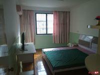 云盘二村 3楼 3室1厅 现代简装 设施齐 天然气